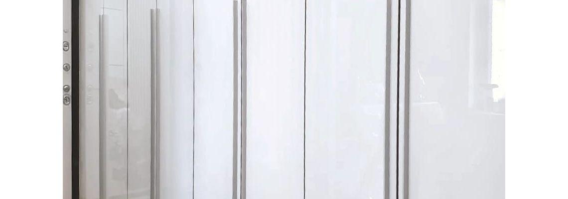 Распашной шкаф из акрила