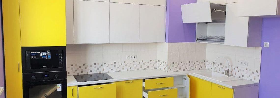 Кухня в Эмали