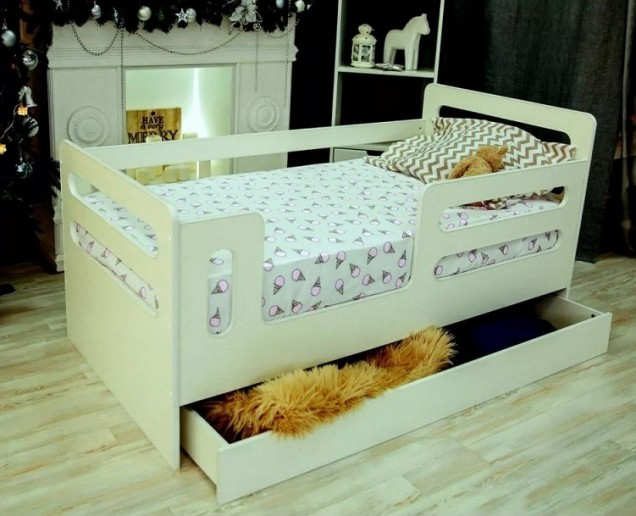 Кроватка-манеж Горизонтали с ящиком